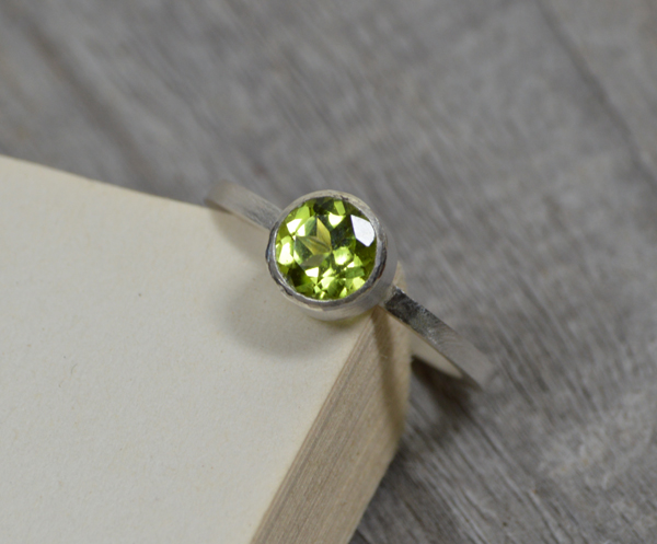 peridot ring in sterling silver, peridot stacking ring, peridot solitaire