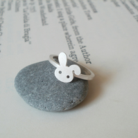bunny rabbit ring with floppy ear