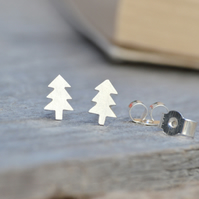 Christmas tree ear studs in sterling silver, handmade by Huiyi Tan