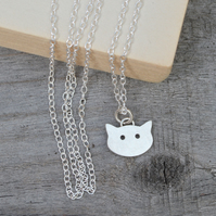 kitty cat necklace in sterling silver, handmade in the UK