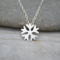 snowflake necklace in sterling silver