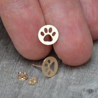 Hollow Pawprint Earring Studs In 9ct Yellow Gold