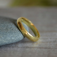 Rustic Weding Band With Hammer Effect in 18ct Yellow Gold, Rustic Wedding Ring