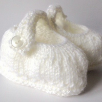 0-3 baby booties, pram shoes, crib shoes, hand knitted