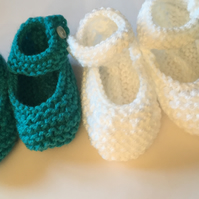 3-9 months white knitted booties crib shoes