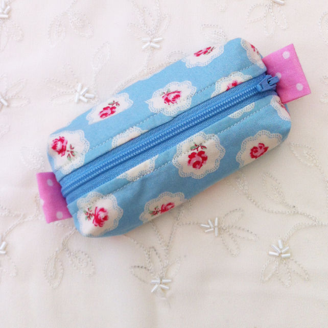 Small blue floral zip purse