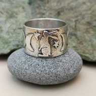 Gazing Hare Ring (Size R and half)