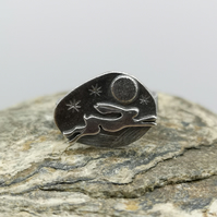 Running Hare Ring with Full Moon (UK SIZE M)