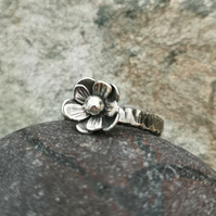Flower Ring (UK Size N)