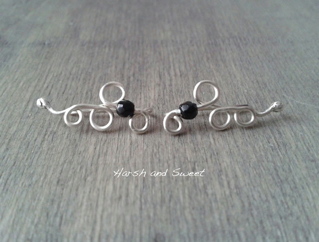 Eco-friendly ear crawlers with black onyx gemstone
