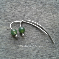 Small alternative earrings in green moss agate