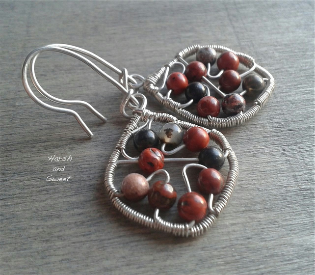 Small earrings in sterling silver and sard gemstone