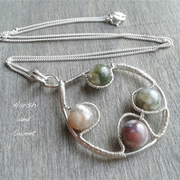 Colourful pendant necklace in sterling silver and agate gemstone