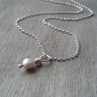 Sterling silver necklace with pearl pendant