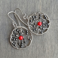 Small earrings with hematite gemstone and coral