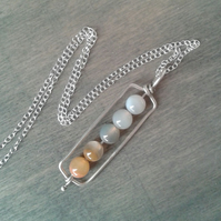 Yellow ombre pendant necklace in agate and recycled silver