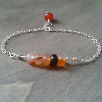 Chain bracelet with agate gemstone