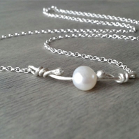 Short pearl necklace in Sterling silver