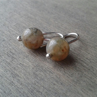 Small green earrings in recycled sterling silver and Indian agate