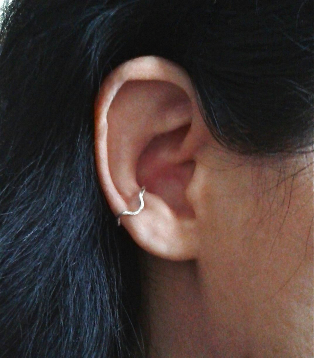 Conch earring without piercing in recycled sterling silver