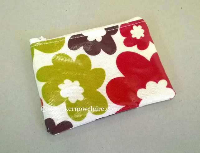 Coin purse in bright floral oilcloth, retro style