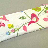 Pencil case in white with birds and flowers