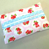 Tissue holder in pale pink with flowers, tissues included