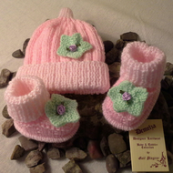 Baby Girl's 0-6 months Hat  & Bootie Set