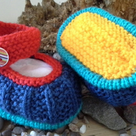 SALE ITEM Unisex Hand Knitted Baby Shoes 0-3 Months