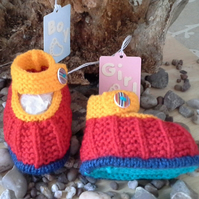 Unisex Hand Knitted Baby Shoes 0-6 months