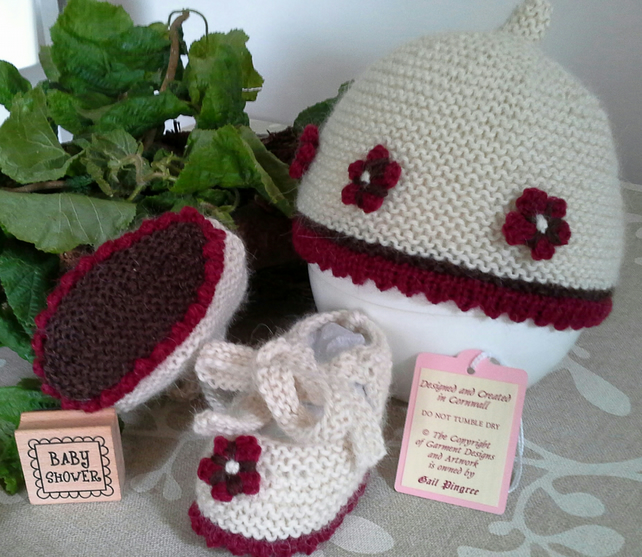 Luxery Pure 'Baby Alpaca'  Hat & Shoes Set  0-6 months