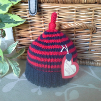 Unisex Knotted Pixie Hat   0-6  months size