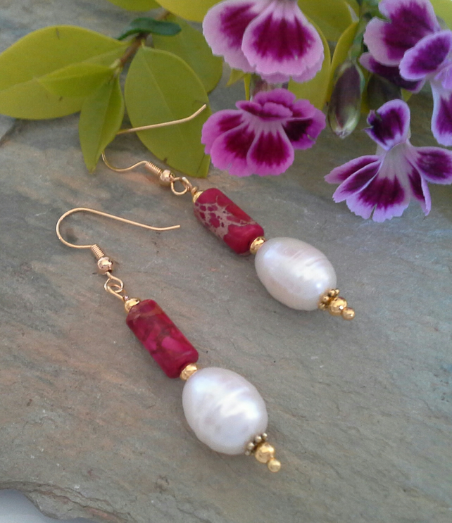 Jasper & Freshwater Culture Pearls Gold Plate
