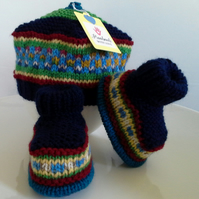 Baby Boys Fairisle Beret & Booties Set  0-6 months size