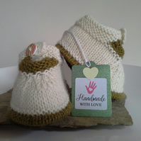 Luxery Pure 'Baby Alpaca'  Baby Shoes  0-6 months size