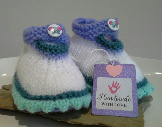 Baby Girl's Knitted Shoes 0-6 months size