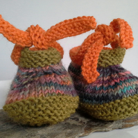 Unisex Baby Shoes with Designer hand dyed pure new wool  0-6 months