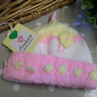 SALE ITEM Baby Girl's Bobble & Flower Winter Hat 0-6 months size