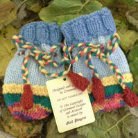 Baby Knitted Mittens  3-9 months size