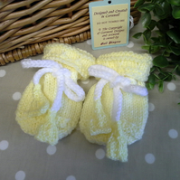 SALE ITEM Baby Knitted Mittens  0-6 months size