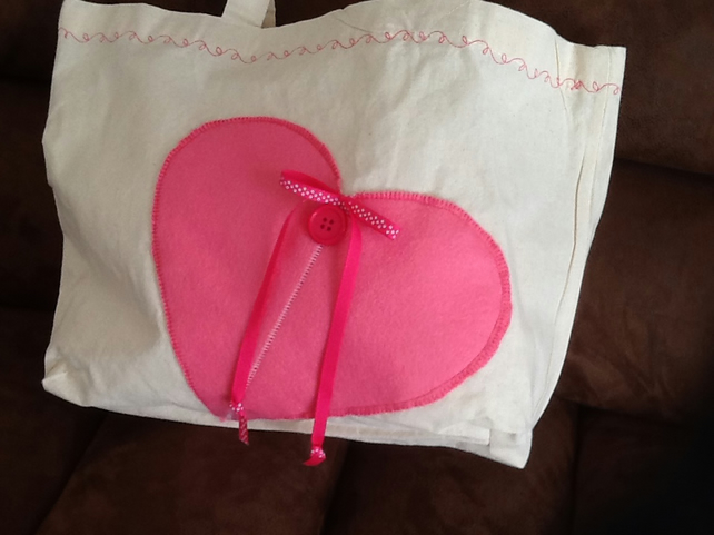 Tote bag with pink heart