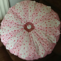 Deep filled Dresden plate cushion