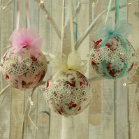 Christmas baubles, Shabby chic, tree decorations, fabric hanging ornaments