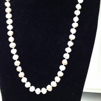 Natural fresh water pearl knotted necklace