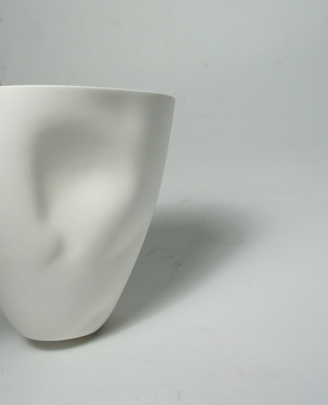 Bone China Facial Contouring Sculpted Vessel
