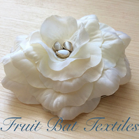 Ivory silk flower comb