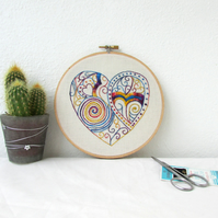 Doodle heart wall hanging, modern hand embroidery