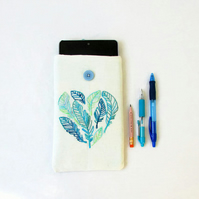 CLEARANCE Hand embroidered kindle case, feather heart embroidery