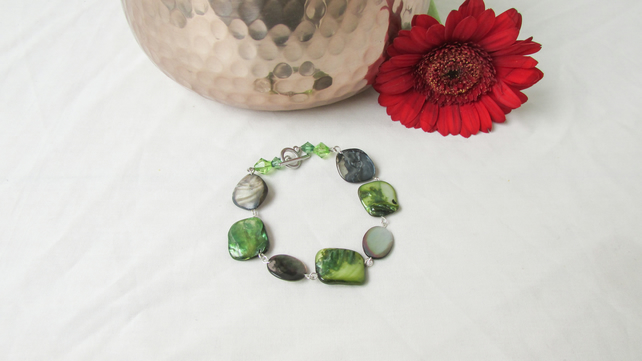 Green shell bracelet, natural boho beaded bracelet