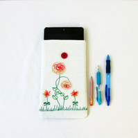 Embroidered 7 inch tablet case for kindle